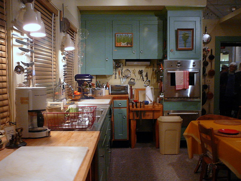 Julia_Child's_Kitchen_-_Smithsonian_sm